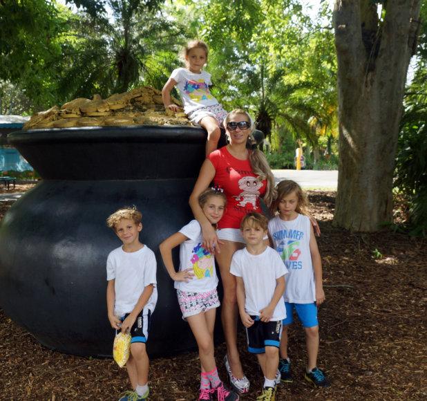 Erika Santos su vaikais