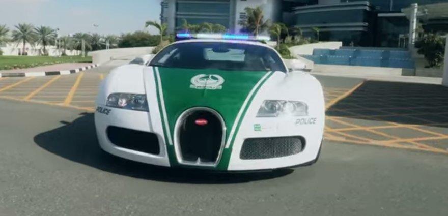 """Dubajaus policijos """"Bugatti Veyron"""""""