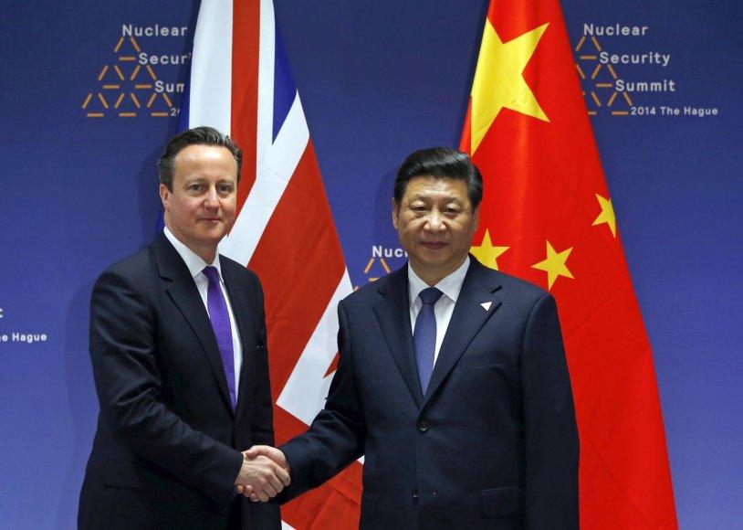 Didžiosios Britanijos ministras pirmininkas Davidas Cameronas ir Kinijos prezidentas Xi Jinpingas