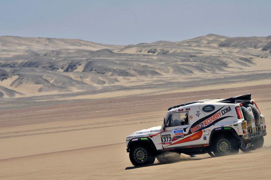 """Komandos """"Race2Recovery"""" lenktyninis automobilis"""