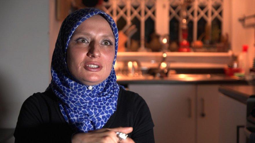 Londono lietuvė buvo priversta įsisprausti į musulmonišką hidžabą