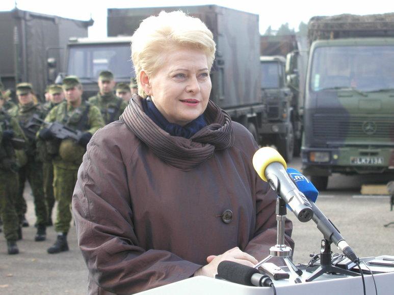 Prezidentė Dalia Grybauskaitė apsilankė Didžiosios kunigaikštienės Birutės ulonų batalione Alytuje