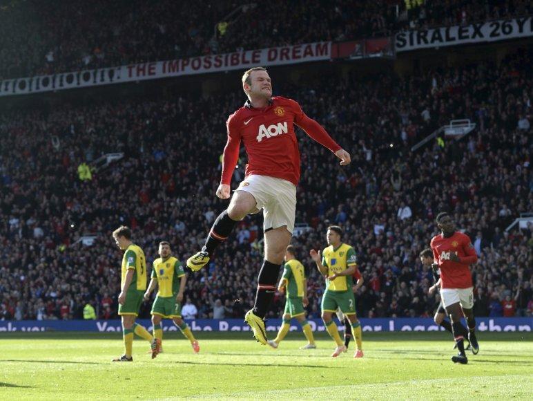 Wayne'as Rooney įmušė du įvarčius
