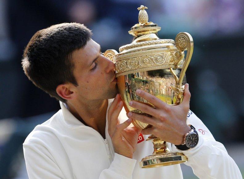 Novakas Džokovičius Vimbldono nugalėtoju pirmą kartą tapo 2011 metais