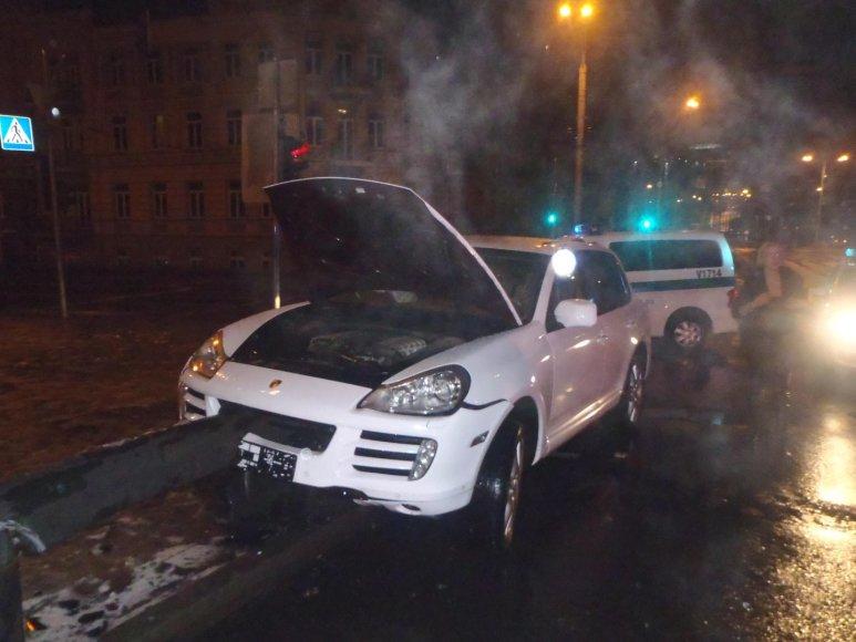 """""""Porsche Cayenne"""" avarija"""