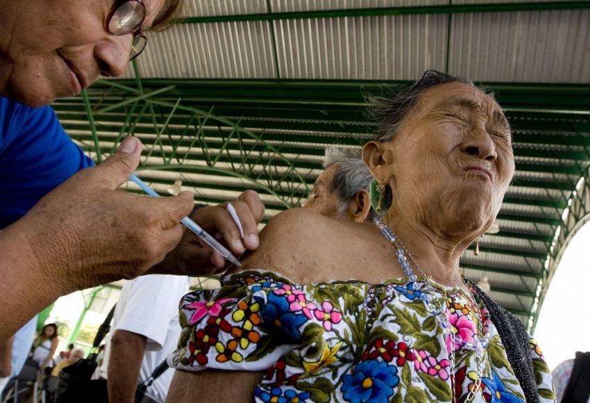 Meksikoje skiepijama moteris