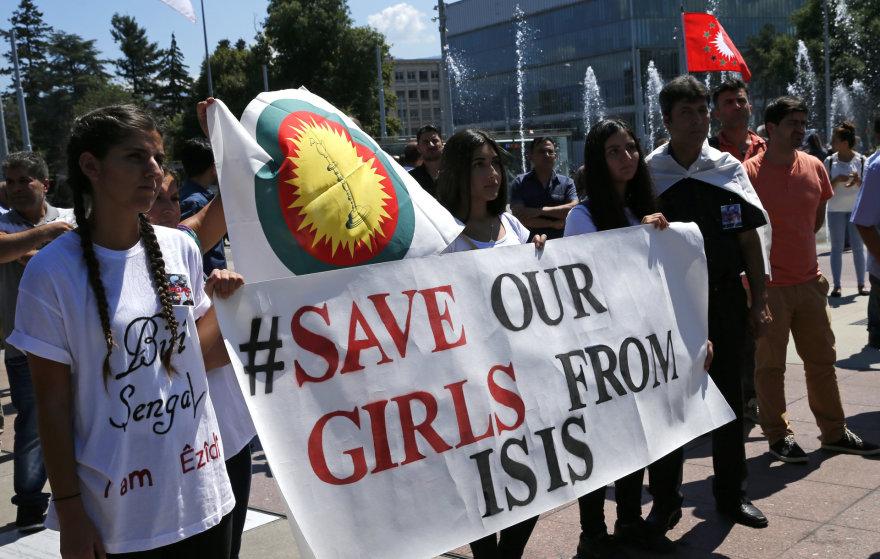 """""""Islamo valstybės"""" teroristai nelaisvėje laiko tūkstančius jazidžių."""