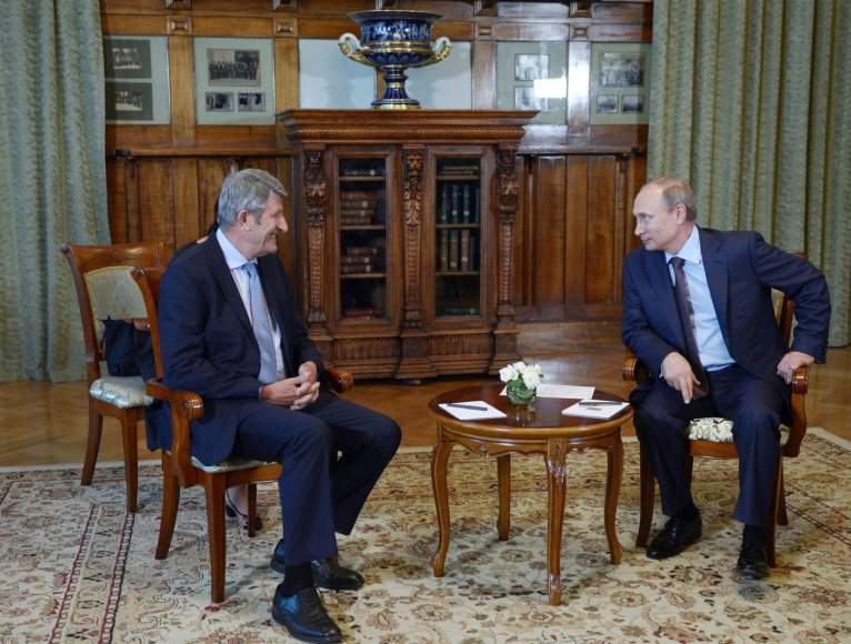 Philippe'as de Villiers su Vladimiru Putinu