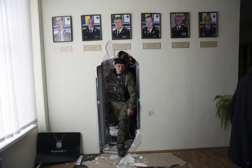 Prorusiški Krymo aktyvistai užėmė Ukrainos karinių jūrų pajėgų štabą Sevastopolyje