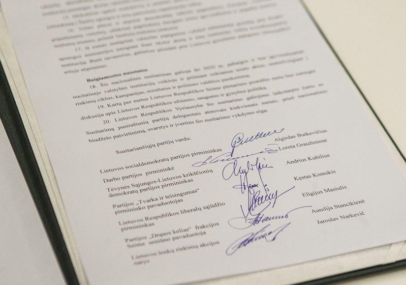 Partijos pasirašė susitarimą didinti kariuomenės finansavimą.