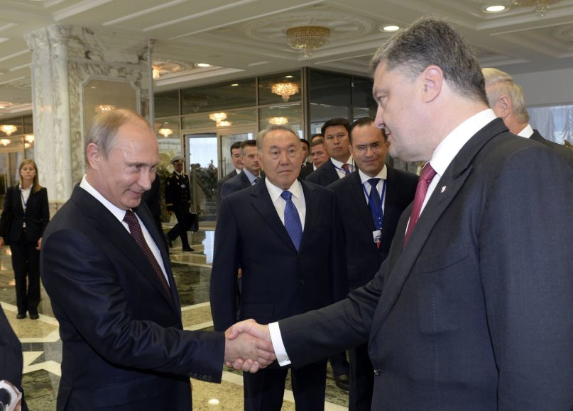 Rusijos prezidentas Vladimiras Putinas ir Ukrainos prezidentas Petro Porošenka