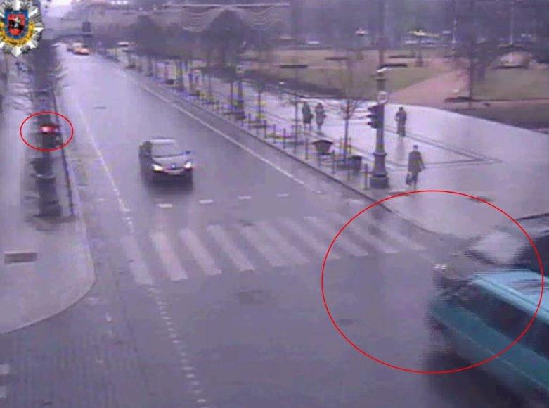 Iš filmuotos medžiagos akivaizdu, kad G.Paškevičius dėl avarijos nekaltas, nes per raudoną šviesą važiavo kitas vairuotojas.