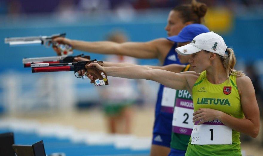 Laura Asadauskaitė iš Lietuvos laimėjo aukso medalį šiuolaikinės penkiakovės rungtyje.