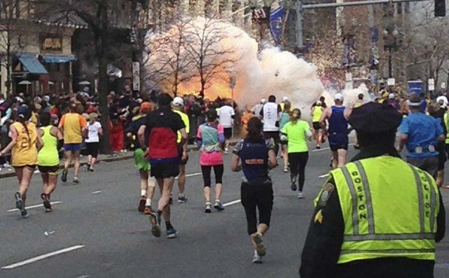 Sprogimas Bostono maratone