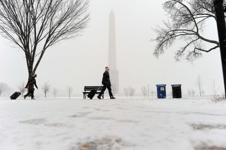 Vašingtoną užgriuvo sniegas