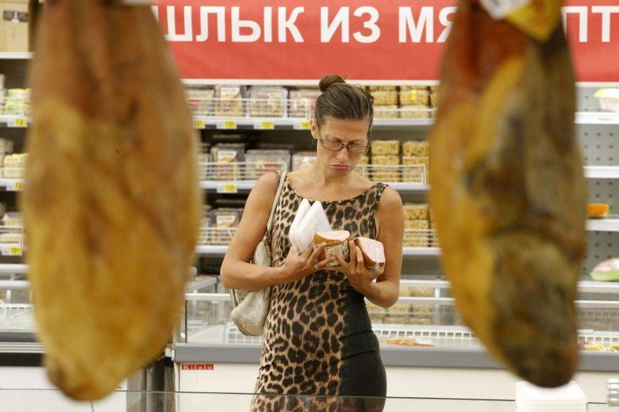 Rusijos maisto prekių parduotuvėse kainos kandžiojasi