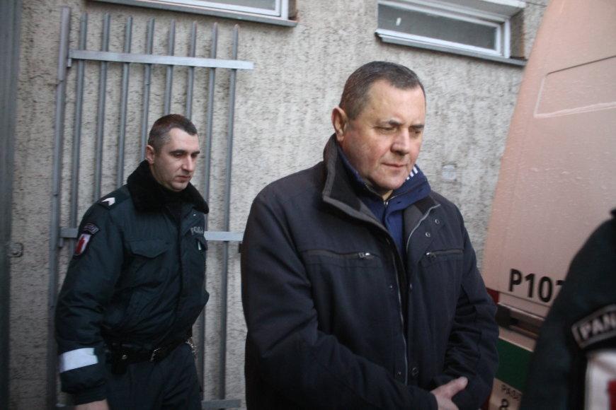 Ivanas Dorošas atvestas į teismą