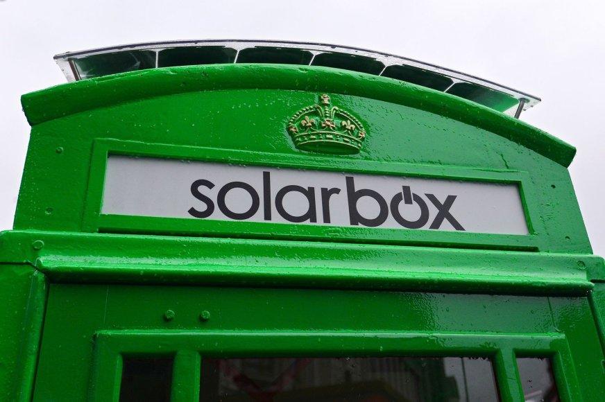Londono garsieji raudonieji taksofonai bus žali.