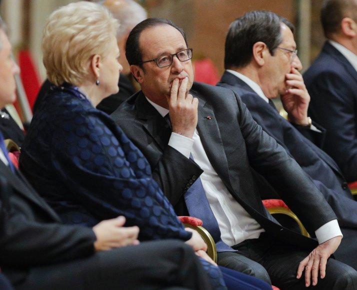 Dalia Grybauskaitė ir Prancūzijos vadovas Francois Hollande'as Vatikane