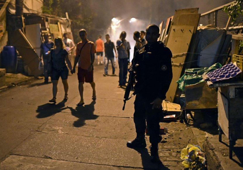 Rio de Žaneire įsiplieskė audringi protestai