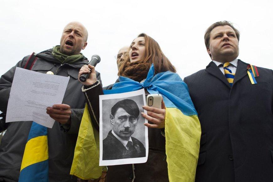 Prie Rusijos ambasados mitingas prieš Rusijos agresiją.