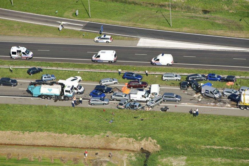 Masinė automobilių avarija Nyderlanduose