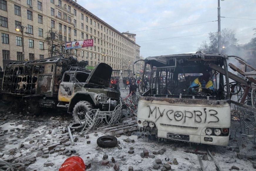 Kijeve sudegęs sunkvežimis ir autobusas