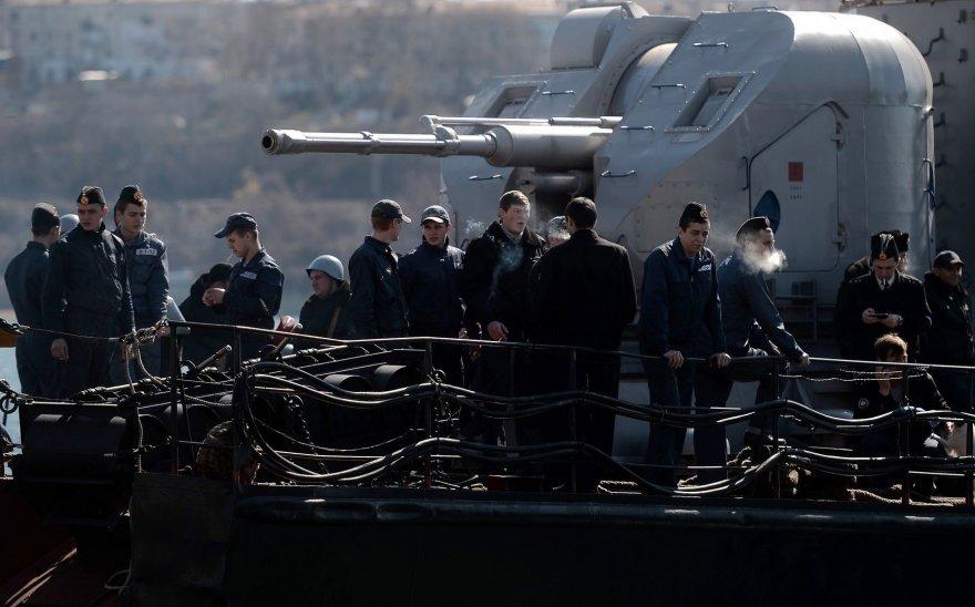 """Ukrainos kariai laive """"Ternopilis"""", Sevastopolyje."""