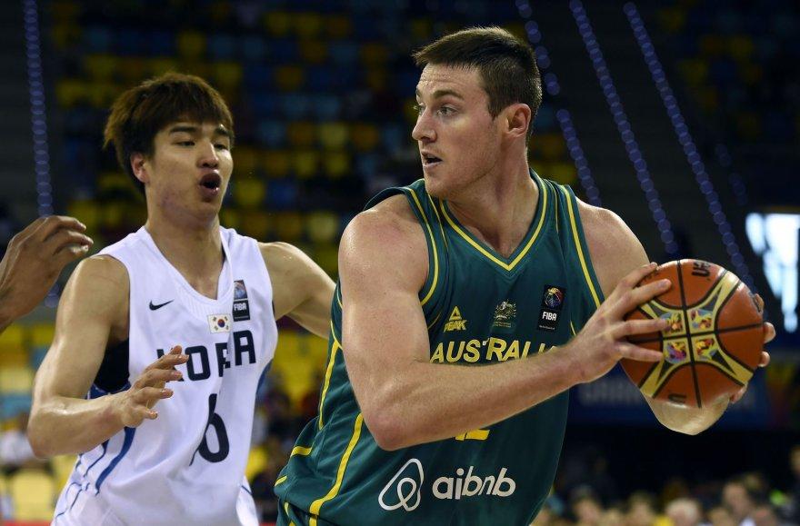 Australijos ir Pietų Korėjos rinktinių dvikovos akimirkos: Aronas Baynesas
