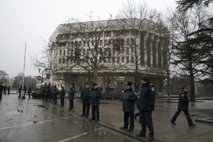 Policija prie parlamento Kryme