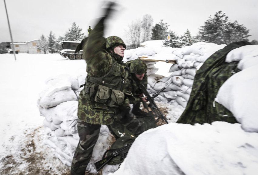 """Lenkijos karių treniruotės pratyboms """"Mūšis mieste"""" komplekse Švenčionių rajone"""
