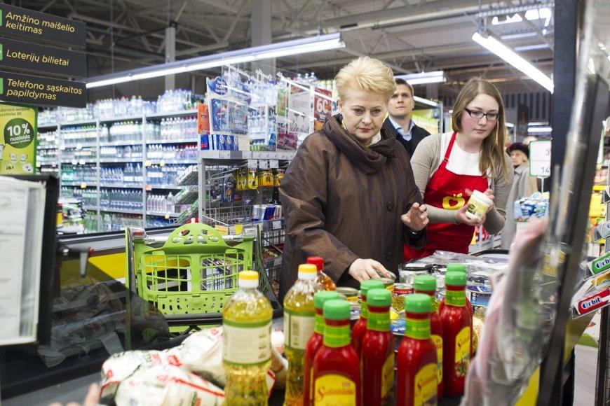 """Prezidentė Dalia Grybauskaitė pradėjo dešimtąją """"Maisto banko"""" akciją."""