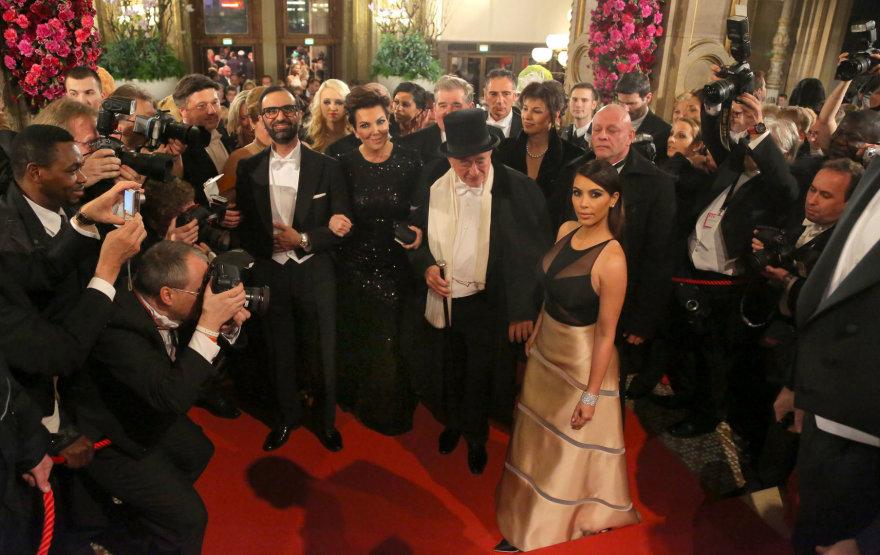 Kim Kardashian ir Richardas Lugneris Vienos pokylyje