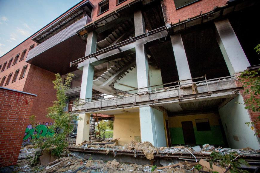 Apleistas ir niokojamas kultūros paveldo pastatas Giraitės gatvėje