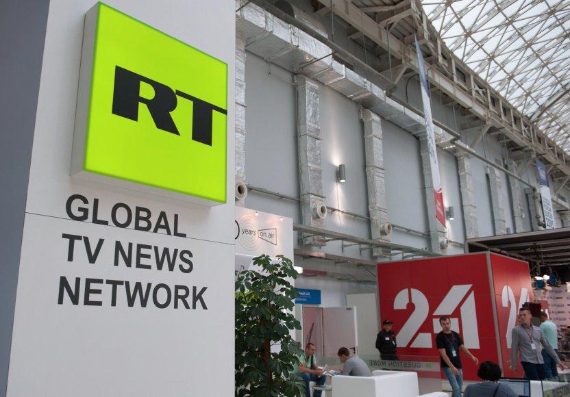 """Kremlius apkarpė propagandos ruporo """"RT"""" finansavimą"""