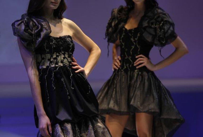 Juodos suknelės