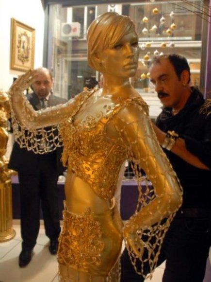 Turkijos atstovė Eurovizijoje Hadise