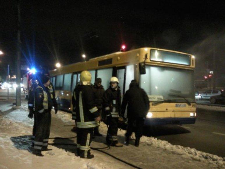 Vilniuje užsidegė autobusas