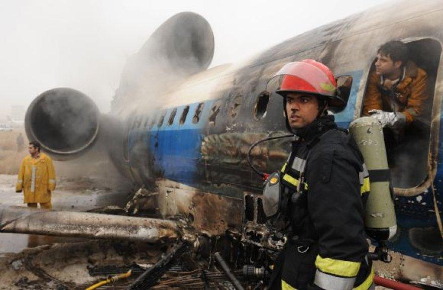Užsidegęs lėktuvas Tu-154