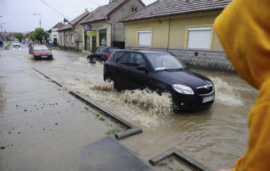 Vengrijoje siaučia pavasarinė audra