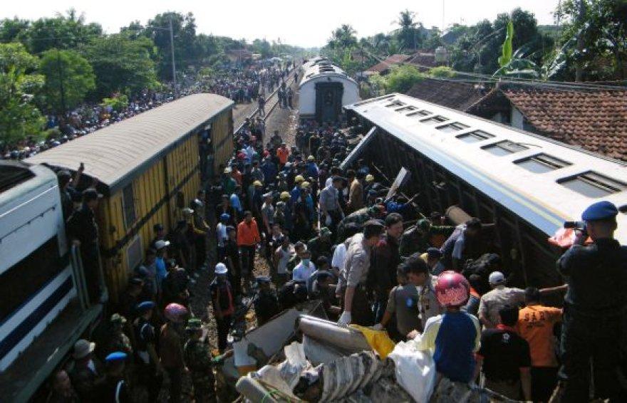 Geležinkelio katastrofa Indonezijoje