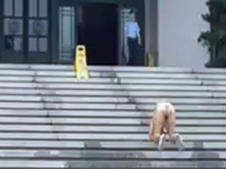Kinė protestuoja prieš teismo sprendimą
