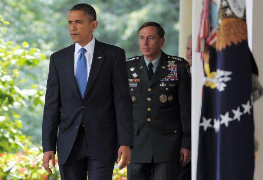 D.Petraeusas su B.Obama