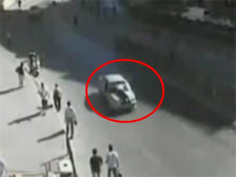 Bėglys policininką vežė ant kapoto 3 km