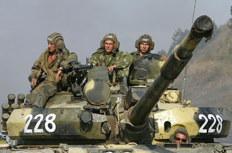 Rusijoje net pasivažinėjimas tanku gali tapti laisvalaikio pramoga.
