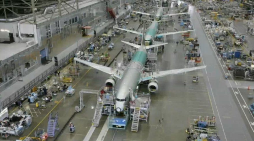 """Boeing 737-700"" gamybos epizodas"