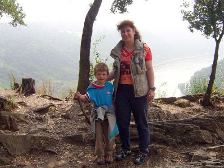 Ispanijos policijos išplatinta vokietės motinos ir jos sūnaus nuotrauka