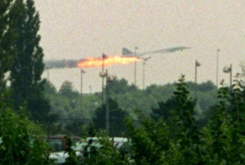 """Paskutinės akimirkos prieš 2000-ųjų """"Concorde"""" katastrofą"""
