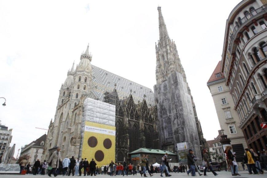 Neregių simbolis ant Vienos katedros fasado