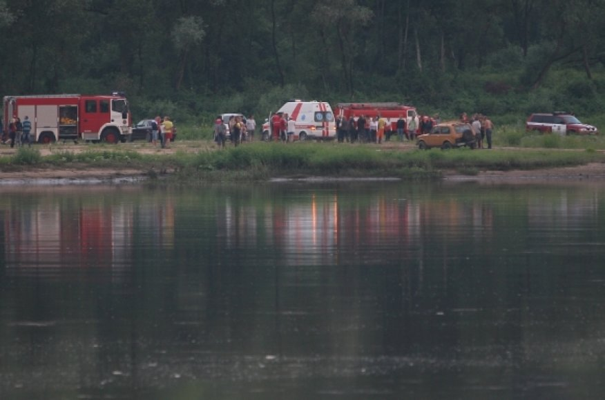 Nemuno pakrantėje susirinko gausios gelbėtojų pajėgos.